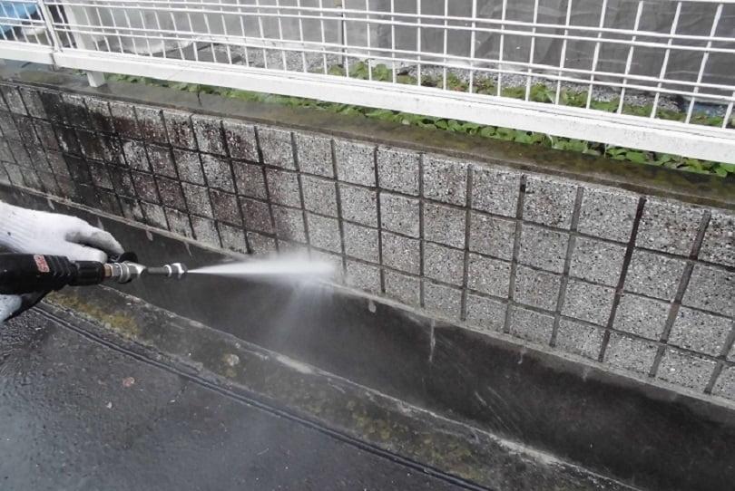 坂戸市屋根外壁塗装工事施工例塀洗浄